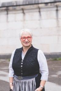 Michaela Burch, freie Trauerrednerin
